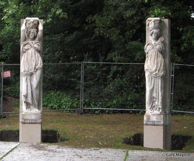Rotherhtihe Caryatides Southwark-Park
